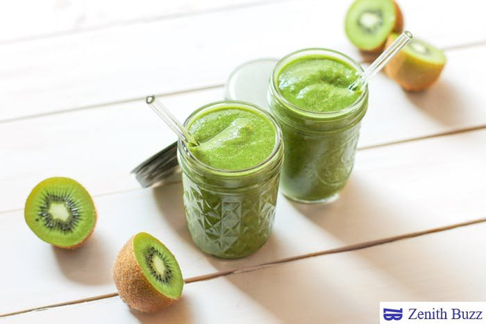 Healthy green vegetables and fruits smoothie